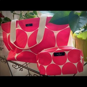 Brand new Kate Spade Tote w/Matching Cosmetic Bag